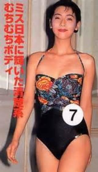 森富美アナウンサーの水着画像