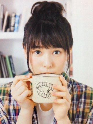 桜井日奈子おっぱいの谷間胸チラリエロお宝画像