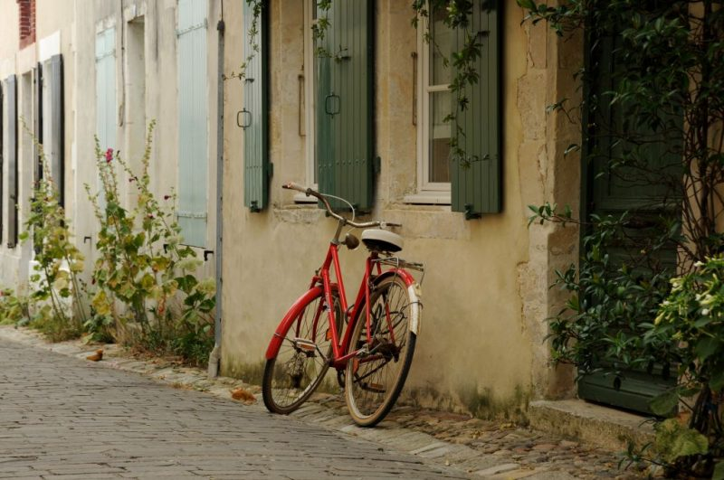 Come risparmiare soldi per viaggiare e altre stregonerie