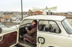 Io che guido un'auto tra i tetti di Lviv ;)