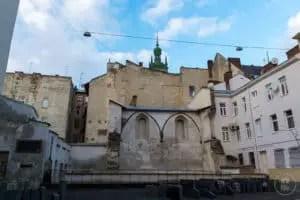 I resti della Sinagoga della Rosa d'Oro di Lviv