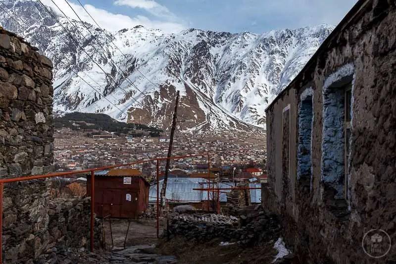 Vista da Gergeti su Kazbegi