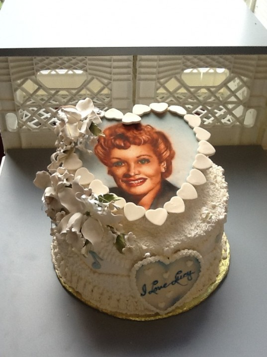 From the Frances Kuyper Cake Collection at SoFab
