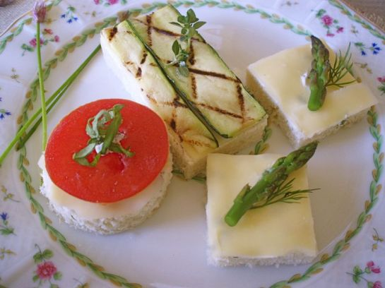 Jarlsberg Snofrisk Vegetable Canapés