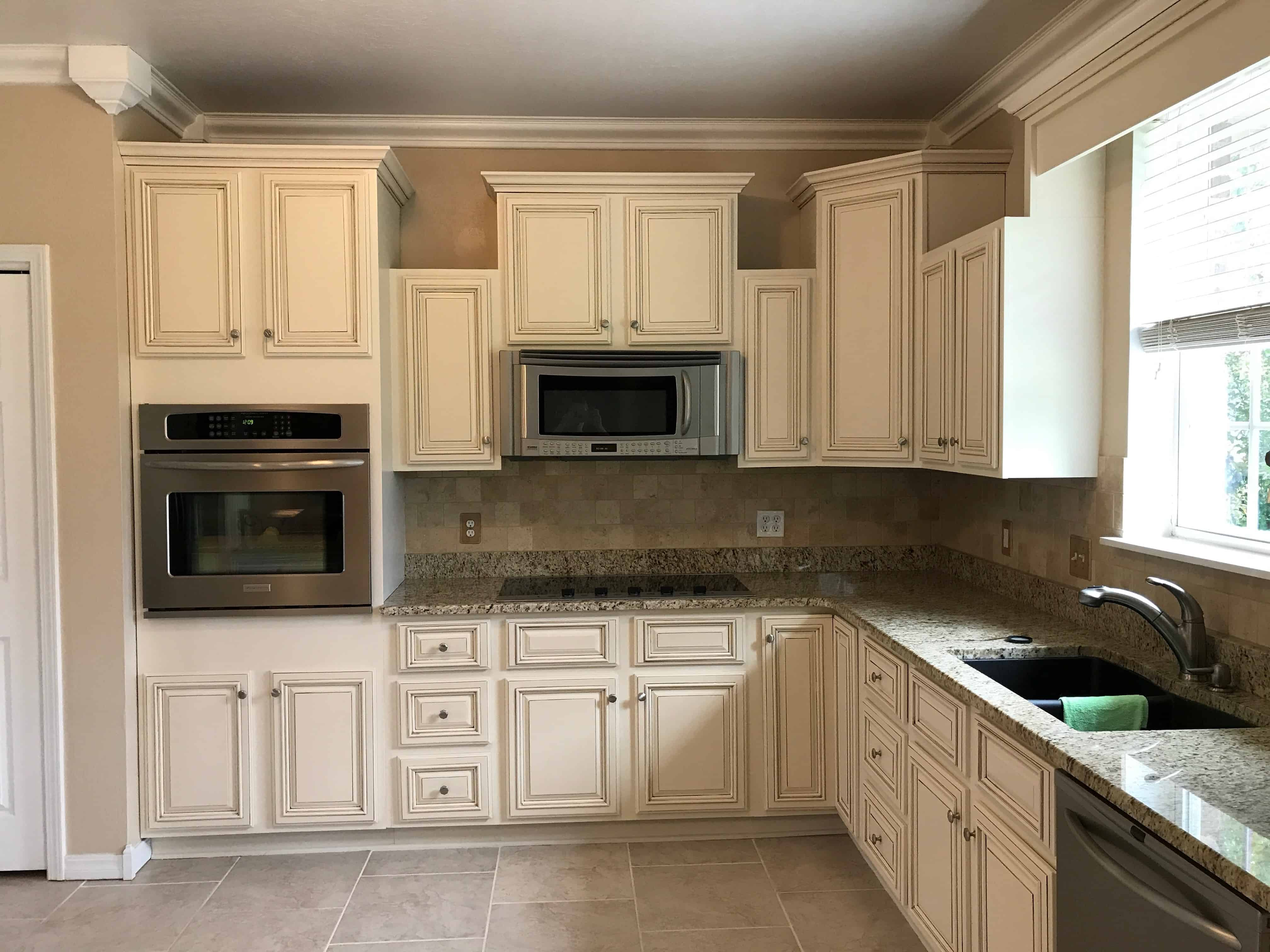lighter and brighter kitchen cabinets on what color should i paint my kitchen id=88729