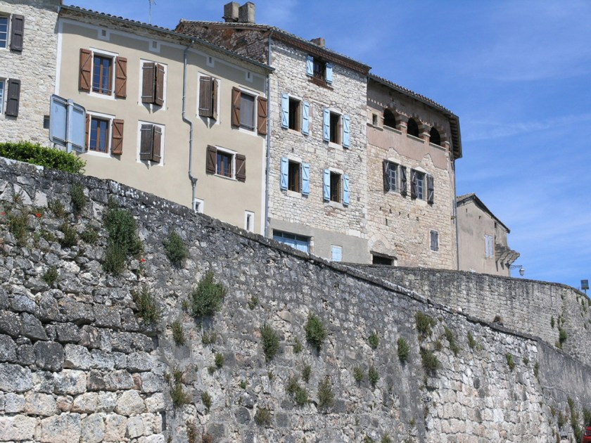 houses above ramparts 1