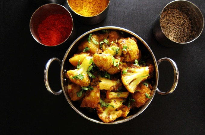 Instant Pot Aloo Gobi | Indian Cauliflower with Potatoes L1 - Paint the Kitchen Red