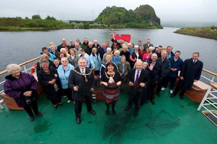 Salmon fishing 2011 group shot