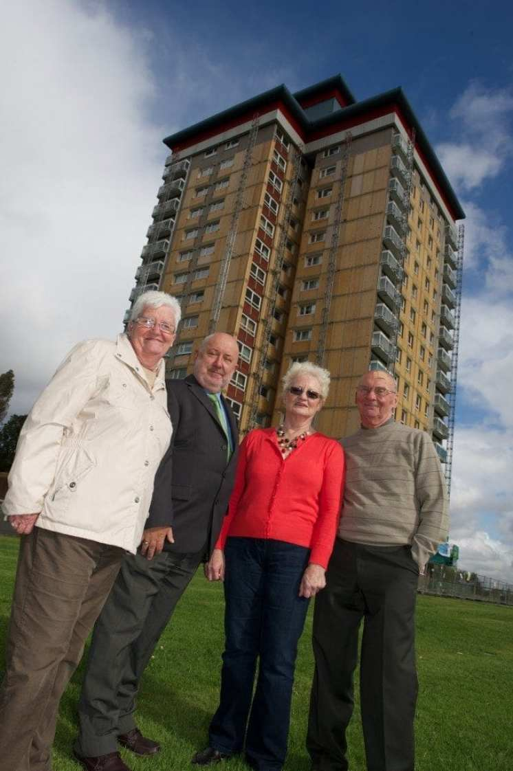 Cllr Williams with high flat tenants 3