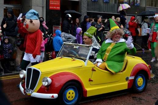 Paisley Photographs Santa Parade