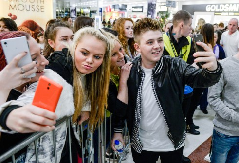 nicky with fans