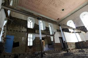 castlehead-church-inside-gutted-10 35202460053 o