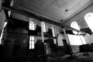castlehead-church-inside-gutted-11-bw 35202461043 o