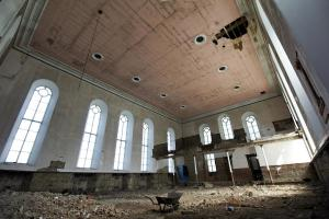 castlehead-church-inside-gutted-54 36013298715 o