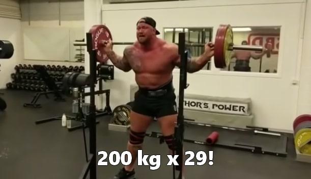 Hafthor Bjornsson cardio przysiad 200kg
