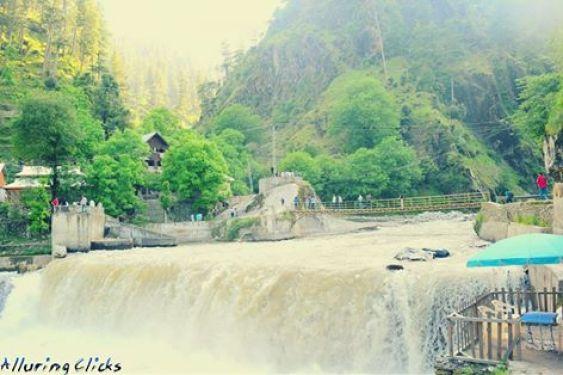 kutton_waterfall_neelum_valley