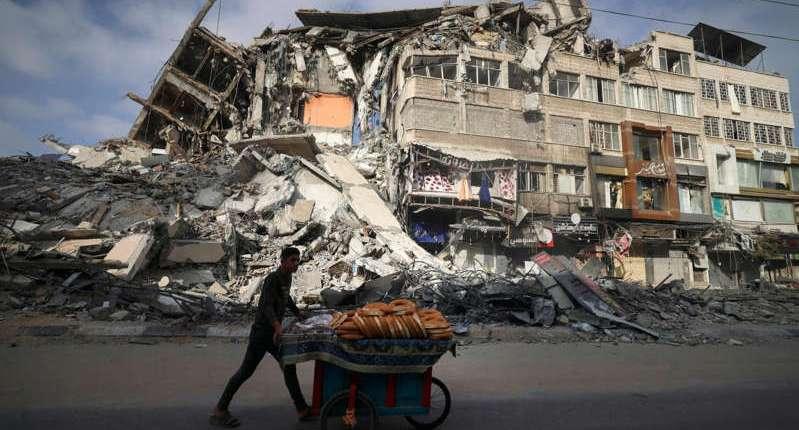 Israel, Hamas Trade Blows Amid Mounting Talk of Gaza Truce
