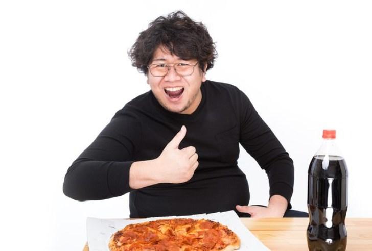 「これがオレのバリューセットだ!」とドヤ顔をキメるピザ