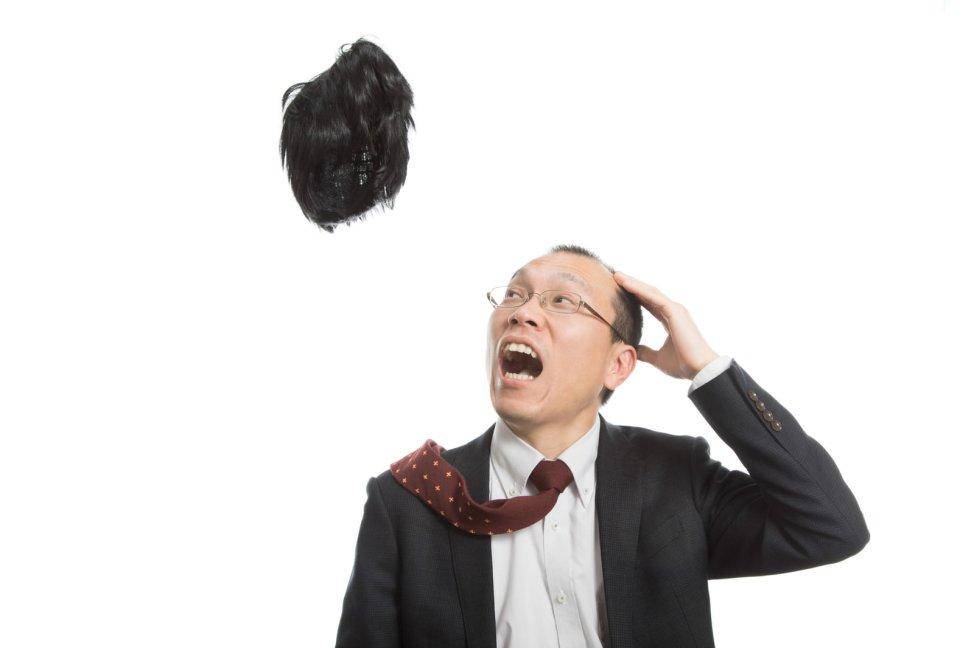 「神様から毛髪を取り上げられたハゲリーマン神様から毛髪を取り上げられたハゲリーマン」[モデル:サンライズ鈴木]のフリー写真素材を拡大