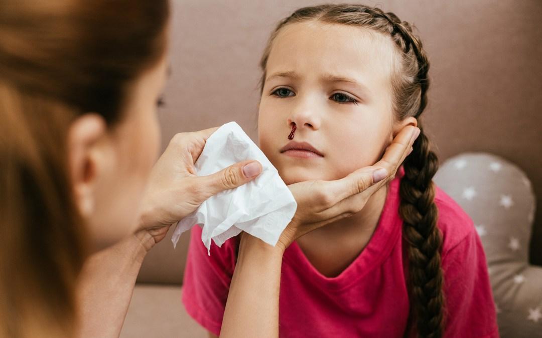 Cómo actuar ante un sangrado nasal en el centro educativo