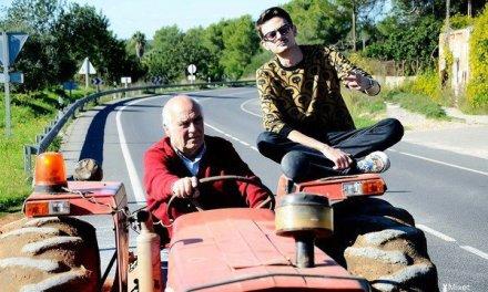 Col trattore in tangenziale … Andiamo a comandare
