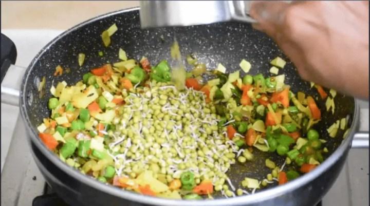 Vegetable Poha | Diet Poha Recipe