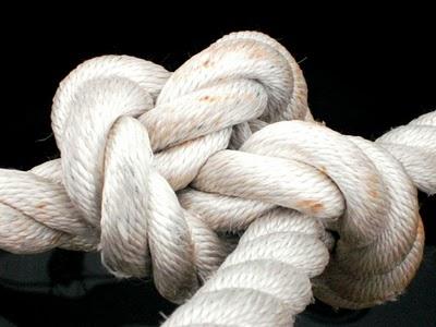 Soltando as cordas que nos oprimem