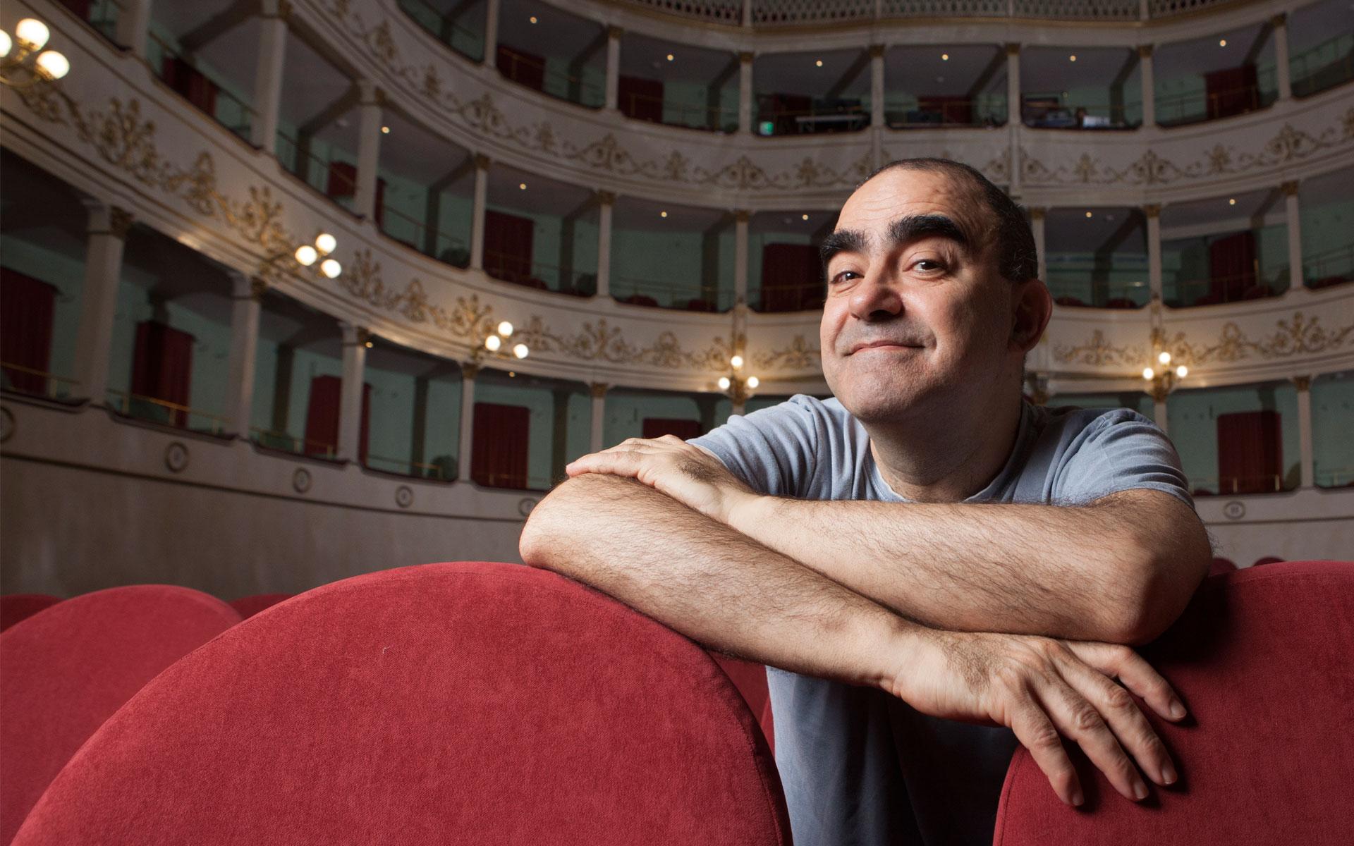 """Elio porta in scena """"Il Grigio"""" di Gaber e Luporini al Teatro Comunale di Pietrasanta"""
