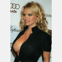Beatrice Rocco la sosia di Pamela Anderson