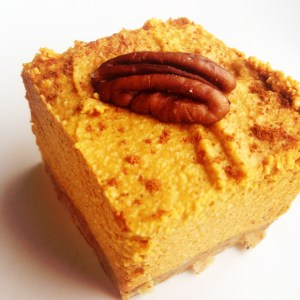 PALEO PUMPKIN PIE CHEESECAKE SQUARES