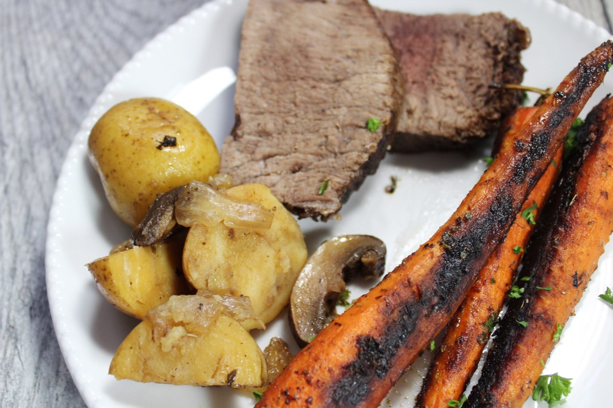 Instant Pot Round Roast and Veggies: A Complete Meal in 30 Minutes