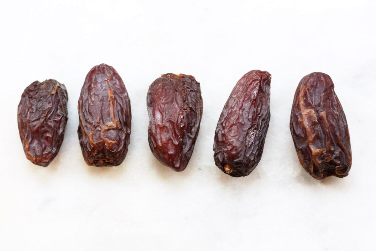 5 Healthy Ways to Use Medjool Dates Instead of Sugar