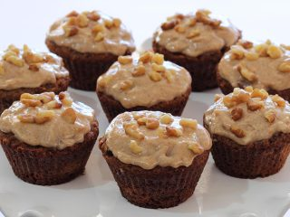 Carrot Cake Cupcakes w/Cinnamon-Vanilla Frosting