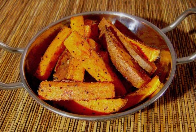easy paleo recipe baked spicy sweet potato fries