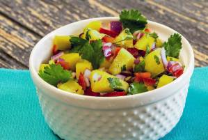 easy paleo recipe for mango pineapple salsa