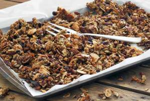easy paleo recipe for pumpkin spiced granola