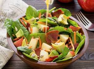 Simple paleo recipe for bacon, kale and spinach salad