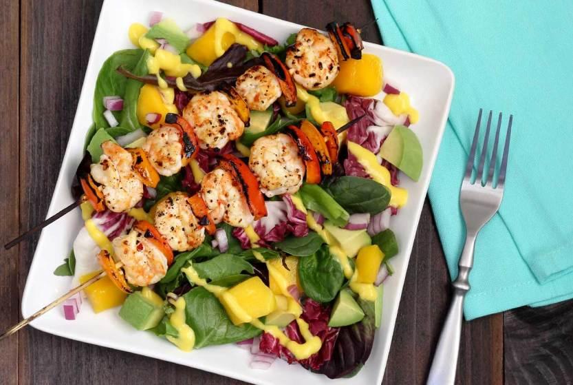 easy paleo recipe for a shrimp and mango summer salad