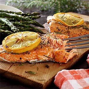easy paleo recipe for cedar plank grilled salmon
