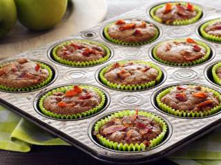 Paleo Apple-Bacon Muffins