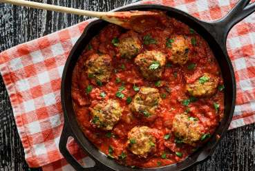 easy paleo recipe for one-skillet Italian meatballs