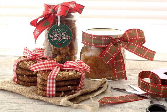 Easy paleo recipes for a sweet homemade Christmas