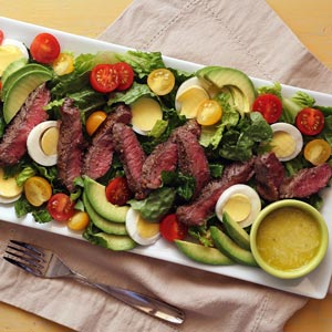 simple paleo recipe steak salad and garlic vinaigrette