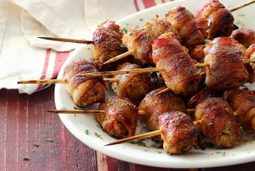 easy paleo recipe for bacon wrapped chicken skewers