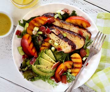 Paleo Grilled Chicken & Peach Salad with Honey-Lime Vinaigrette Recipe