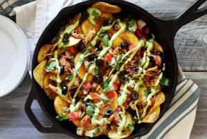 easy paleo nachos recipe with chicken and avocado sauce