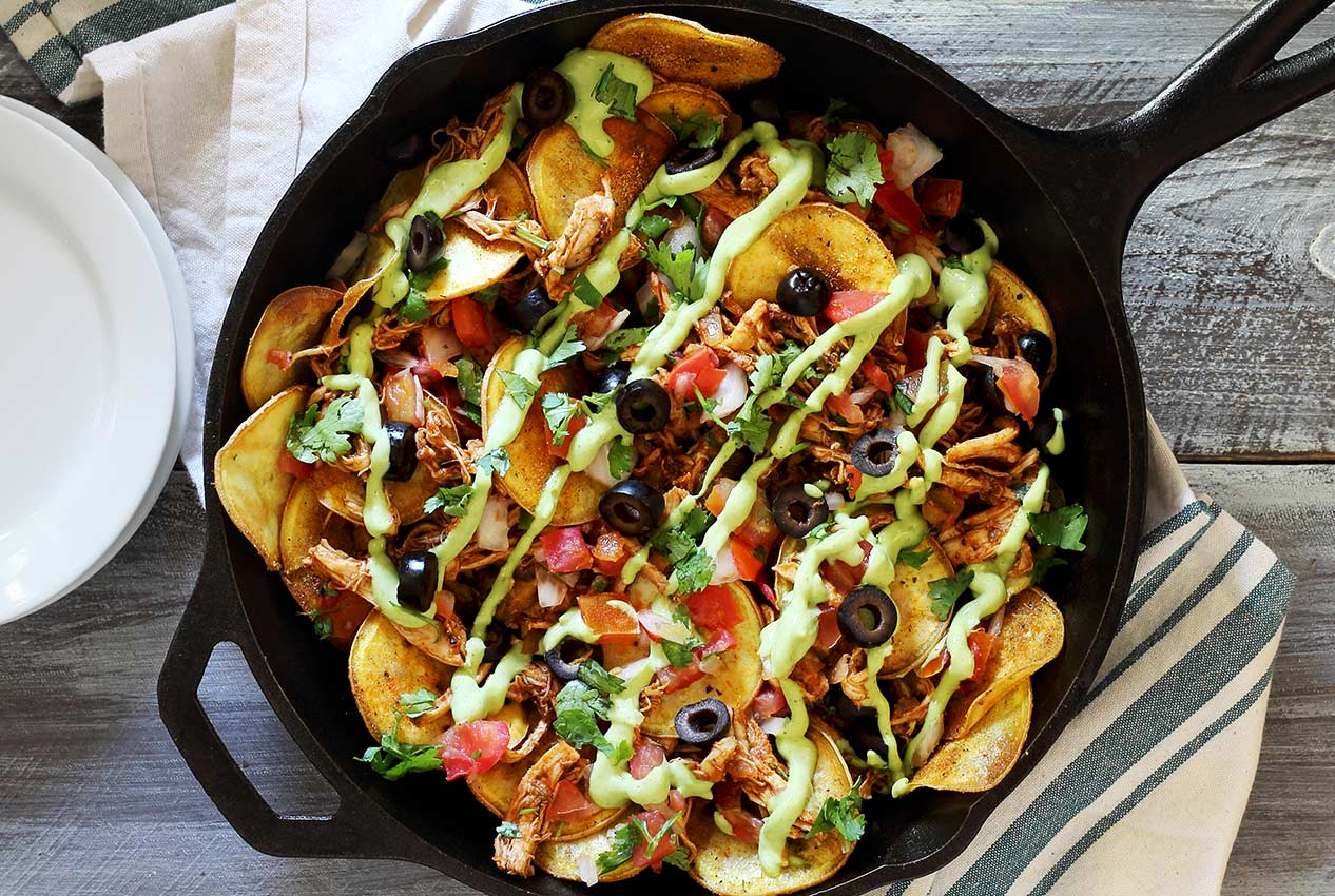 easy paleo nachos recipe with chicken and avocado sauce