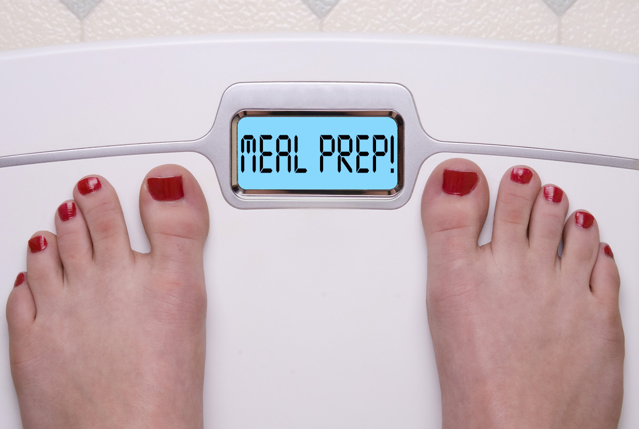 toes on weight scale with meal prep in reader