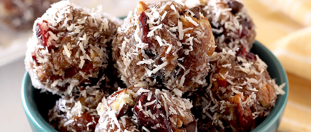 easy no cook chocolate cranberry energy balls