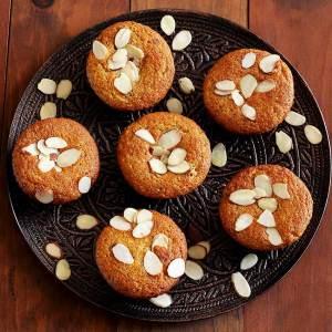 paleo almond poppy seed muffins recipe from PaleoNewbie